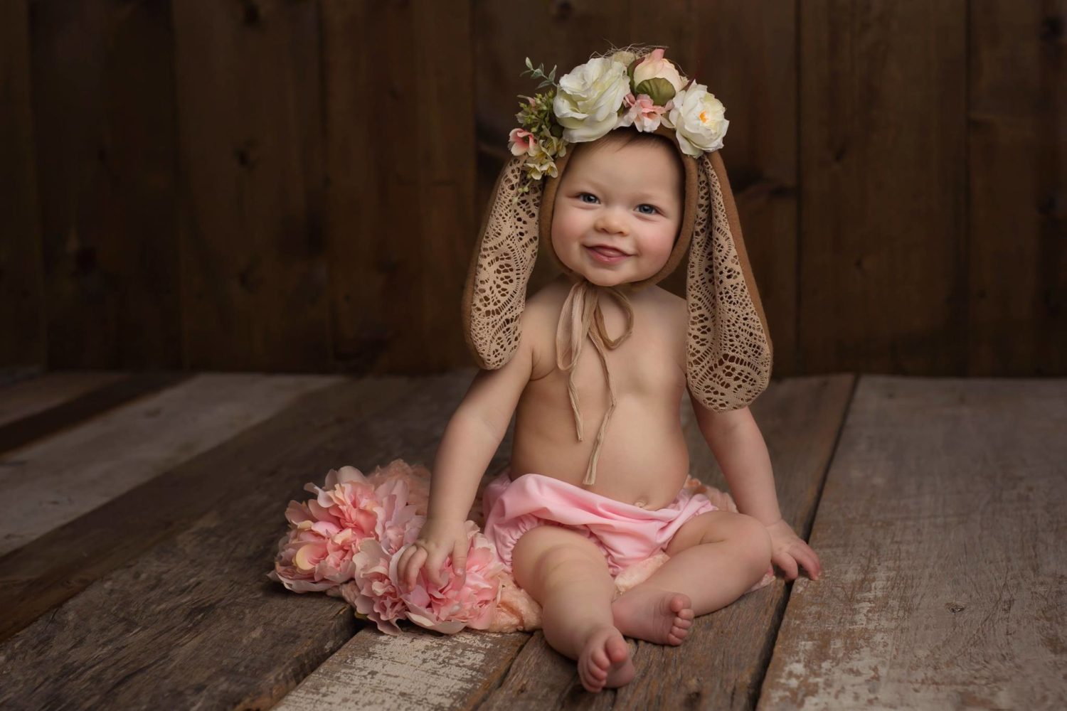 photography-posing-guide-for-photographers-babies-wearing-bunny-headpieces